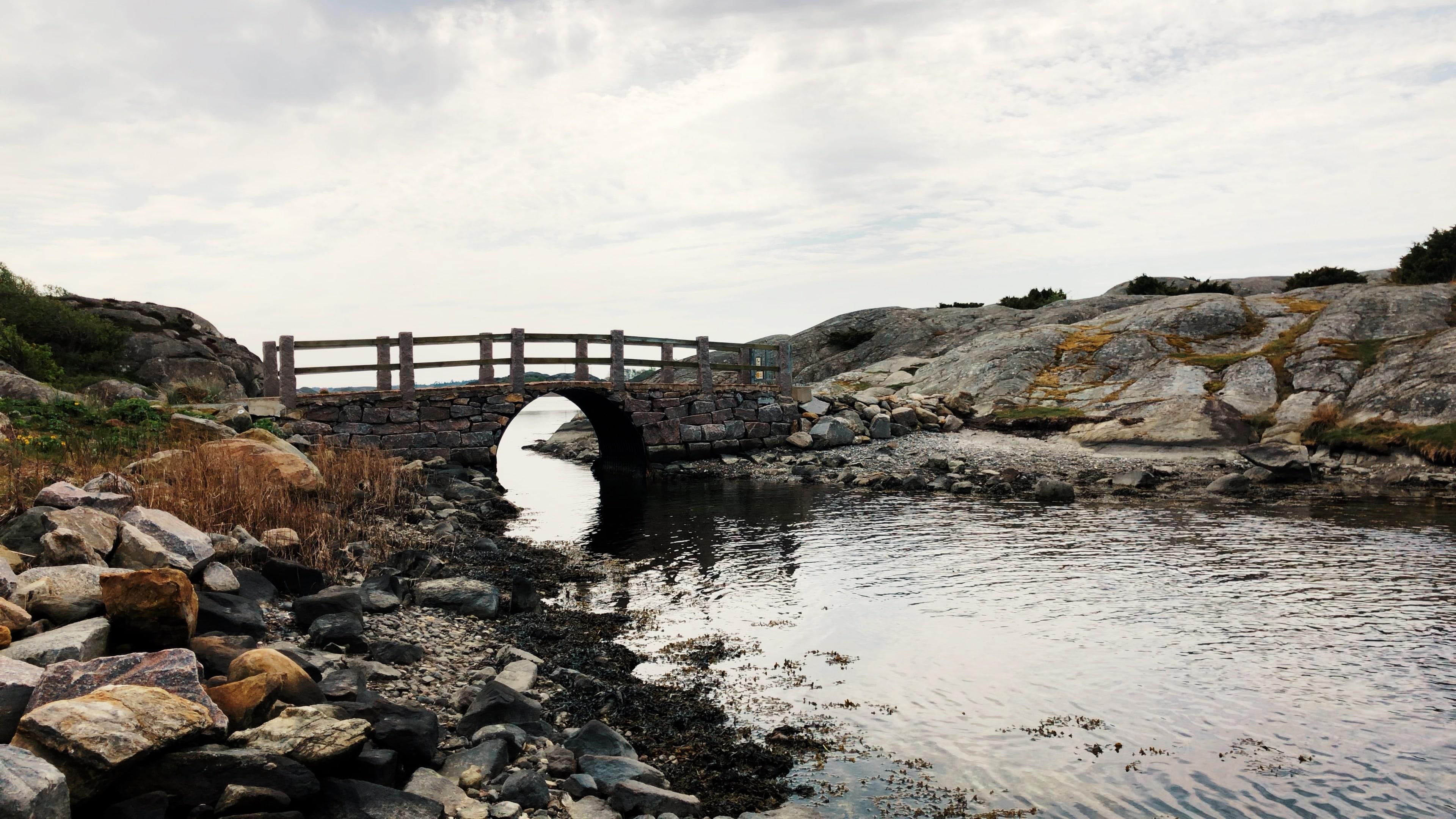 Pont reliant Brännö à Galterö