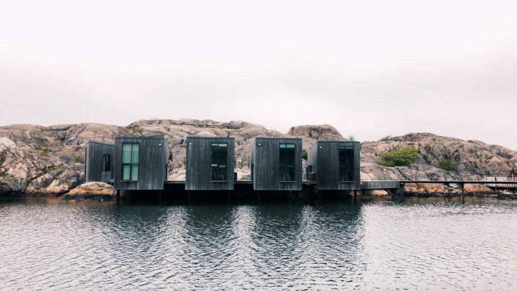 Skärhamn - Cabines derrière le musée de l'aquarelle